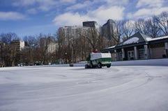 Zamboni очищая лед 2 Стоковая Фотография RF
