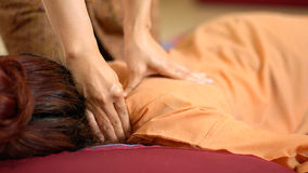 задний массаж тайский Стоковая Фотография RF