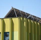 Задняя сторона панелей солнечных батарей стоковые изображения rf