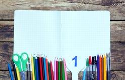 задняя школа к Справочная информация поставкы школы различные стоковое фото