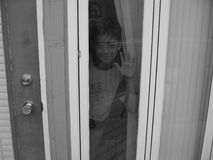за окном мальчика Стоковое Изображение RF