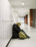 задрано получающ детенышей женщины школы Стоковые Фото