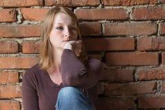 задумчивые детеныши женщины портрета Стоковая Фотография RF