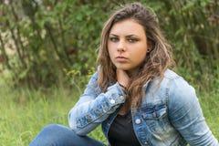 Задумчивый портрет девочка-подростка Стоковое Изображение