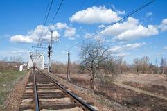за railway железной дороги горизонта расстояния моста протягивая следы Стоковые Изображения