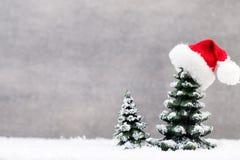 Звезда рождества и шляпа santa карточка 2007 приветствуя счастливое Новый Год Стоковая Фотография RF