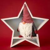 Звезда украшения рождества белая с гномом внутрь стоковое изображение