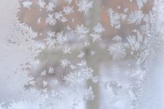 звезды абстрактной картины конструкции украшения рождества предпосылки темной красные белые Морозная картина в форме снежинок o Стоковая Фотография RF