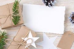 звезды абстрактной картины конструкции украшения рождества предпосылки темной красные белые Взгляд сверху Стоковые Изображения