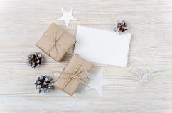 звезды абстрактной картины конструкции украшения рождества предпосылки темной красные белые Взгляд сверху Стоковое Изображение RF