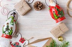 звезды абстрактной картины конструкции украшения рождества предпосылки темной красные белые Взгляд сверху Стоковые Фотографии RF