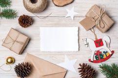 звезды абстрактной картины конструкции украшения рождества предпосылки темной красные белые Взгляд сверху Стоковое Изображение