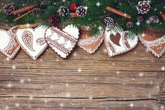 звезды абстрактной картины конструкции украшения рождества предпосылки темной красные белые Ветвь ели рождества с украшением, печ Стоковая Фотография RF