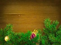 звезды абстрактной картины конструкции украшения рождества предпосылки темной красные белые Зеленые ветви спруса на темной деревя Стоковые Фото
