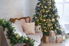 звезды абстрактной картины конструкции украшения рождества предпосылки темной красные белые Внутренняя комната украшенная в стиле Стоковые Изображения RF