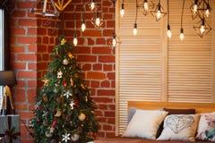 звезды абстрактной картины конструкции украшения рождества предпосылки темной красные белые Комната просторной квартиры внутрення Стоковые Изображения