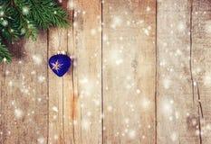 звезды абстрактной картины конструкции украшения рождества предпосылки темной красные белые Селективный фокус Стоковые Фото