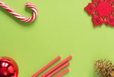 звезды абстрактной картины конструкции украшения рождества предпосылки темной красные белые Вещество рождества на зеленой предпос Стоковое Фото