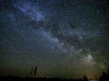 Звезды млечного пути и вселенной на ночном небе Стоковые Фото
