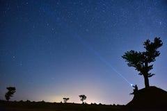 Звезды неба и приятный курсировать стоковая фотография