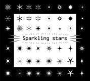 Звезды сверкнают на белой и черной изолированной предпосылке Различные формы и виды для вашего дизайна Квартира силуэта звездочек иллюстрация штока
