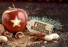 Звезда высекаенная крупным планом на плодоовощ Яблоке праздника Стоковое Изображение RF