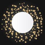 Звезда золота сверкнает на черной предпосылке с белизной Стоковые Изображения RF