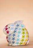 Звезда пятнает керамического кролика Стоковые Фотографии RF