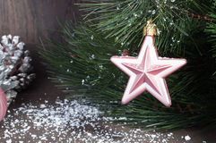 Звезда рождества на рождественской елке Стоковое фото RF