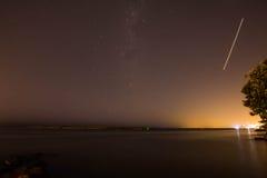Звезда стрельбы над золотым пляжем Стоковое фото RF