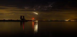 Звезда стрельбы над пристанью подрыванием Стоковая Фотография RF