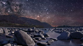 Звездная ночь над рекой акции видеоматериалы