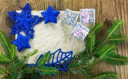 звезды абстрактной картины конструкции украшения рождества предпосылки темной красные белые Пустой старый бумажный лист с Стоковые Изображения