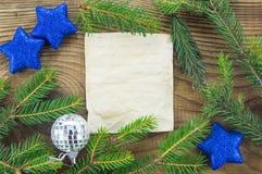 звезды абстрактной картины конструкции украшения рождества предпосылки темной красные белые Пустой старый бумажный лист с Стоковая Фотография