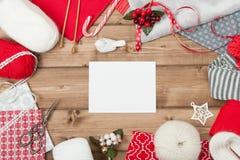 звезды абстрактной картины конструкции украшения рождества предпосылки темной красные белые Вязать и швейный набор Стоковые Изображения RF