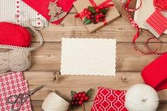 звезды абстрактной картины конструкции украшения рождества предпосылки темной красные белые Вязать и швейный набор Стоковое Изображение