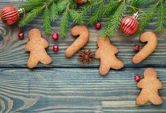 звезды абстрактной картины конструкции украшения рождества предпосылки темной красные белые Концепция выпечки рождества - gingerb Стоковое Изображение