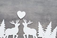 звезды абстрактной картины конструкции украшения рождества предпосылки темной красные белые Белые украшения дерева на сером backg Стоковые Изображения RF