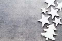 звезды абстрактной картины конструкции украшения рождества предпосылки темной красные белые Белые украшения дерева на сером backg Стоковое Фото