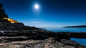 звезды неба seascape ночи лунного света береговой линии Стоковое Изображение RF