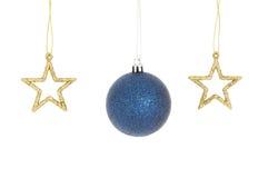 2 звезды рождества и голубой безделушка Стоковое Изображение