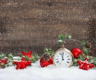 Звезды украшения рождества красные и античные золотые часы Стоковое фото RF