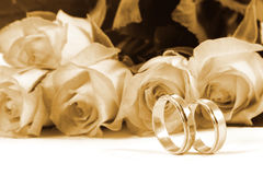 звенит розы wedding Стоковые Фотографии RF
