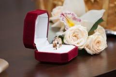 звенит розы wedding Стоковая Фотография RF