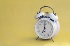 Звеня ретро будильник Стоковое Изображение