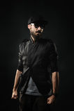 Зверский бородатый человек нося крышку Стоковая Фотография