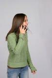 звонящий по телефону счастливый Стоковые Фотографии RF