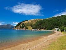 Звуки Marlborough, пляж пропуска француза Стоковые Изображения RF