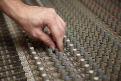 звук регулятора pult производителя смесителя вращая Стоковое Изображение