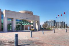Здание муниципалитет в Markham, Канаде на красивый день стоковая фотография